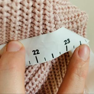 Garage Sweaters - EUC Chunky knit sweater size large Garage PINK